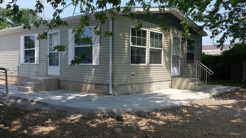 High-touch-homes-Catawba Island canal-end-front-door-side